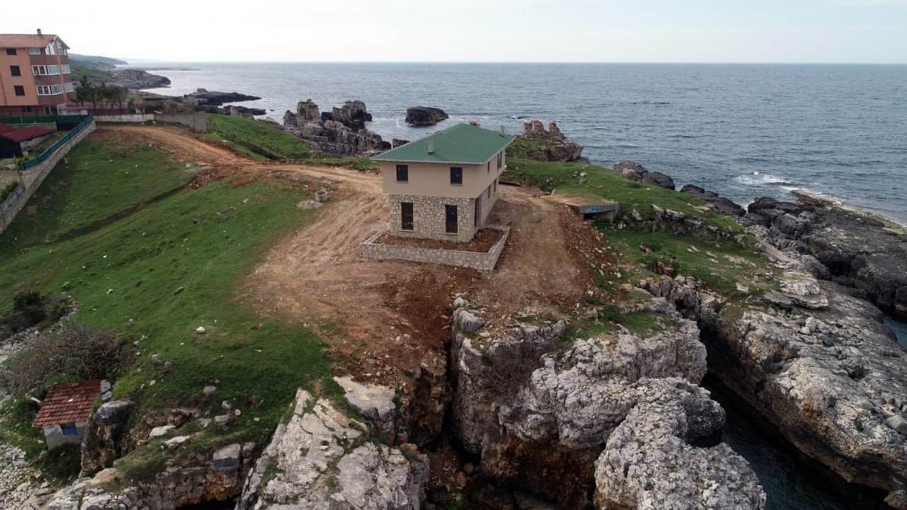 Taflan Koyu' nda Villa şok Etkisi Yarattı