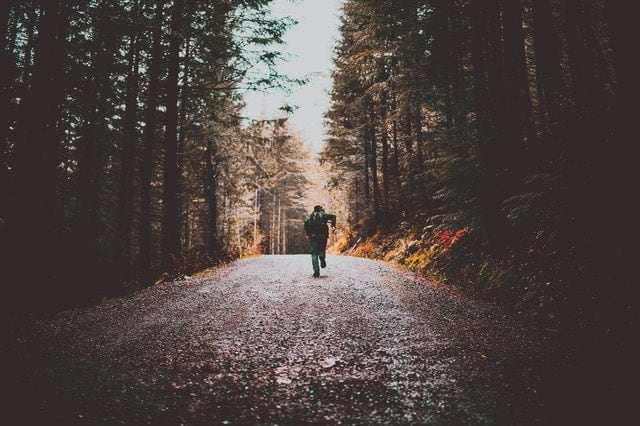 Kendinden Gitmek, Kendinden Kaçma İster İnsan