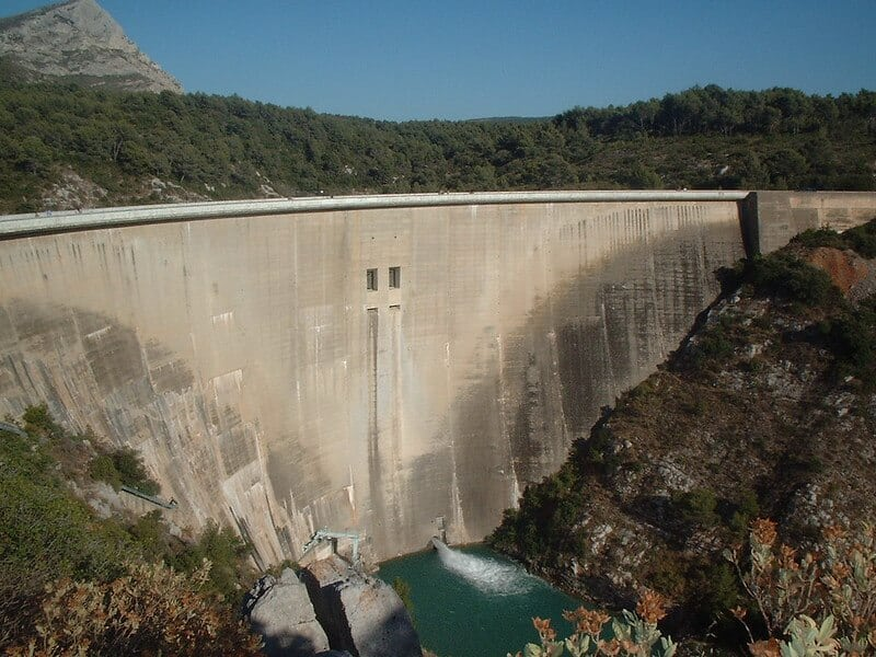 Baraj Yeri Ve Baraj Tipi