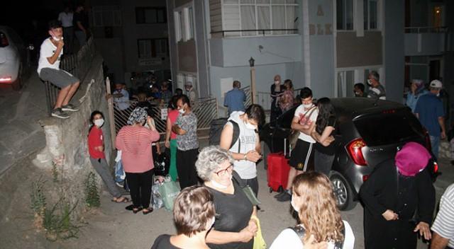 Bursa'da 9 katlı binanın kolonu patladı, vatandaşlar deprem oldu sandı sanalsantiye.com