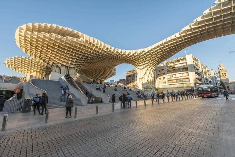 Sevilla'da Dev Şemsiye: Metrosol Parasol