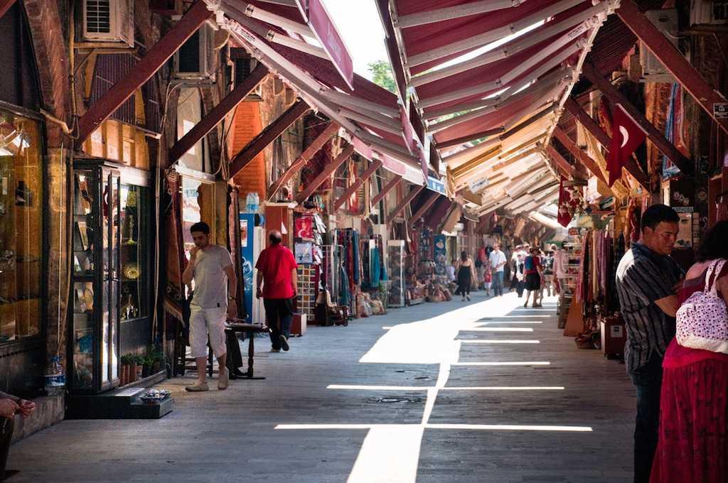Arasta Nedir? Türkiye'deki En Meşhur Arastalar