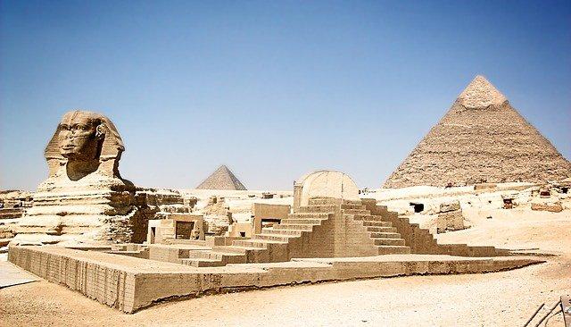 Keops Piramidi: Medeniyetten Günümüze Ulaşan Müthiş Eser