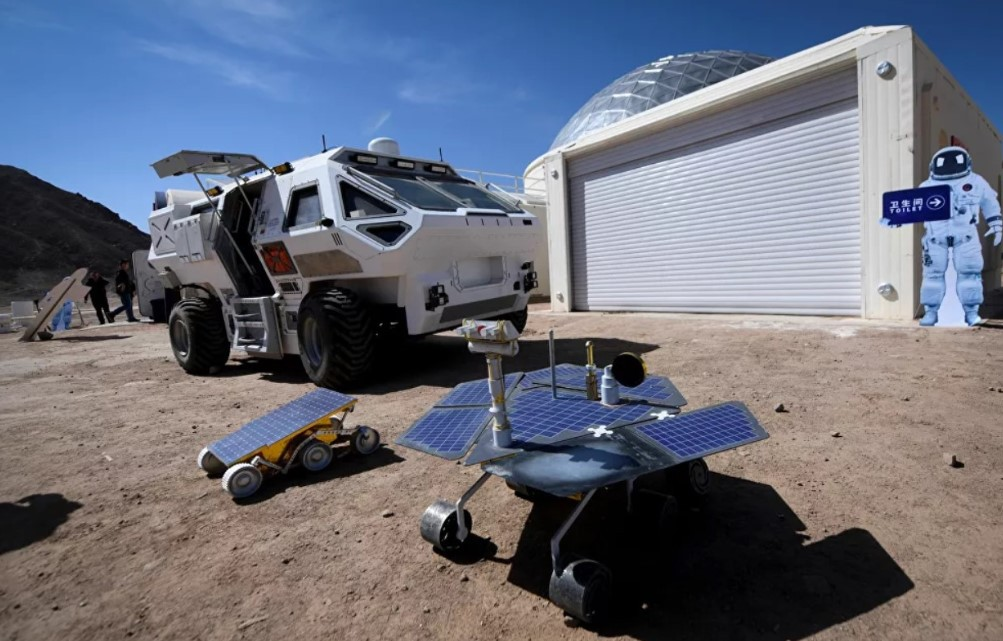Mars'a Yerleşip Ay'da Tatil Yapmak Mümkün Mü?